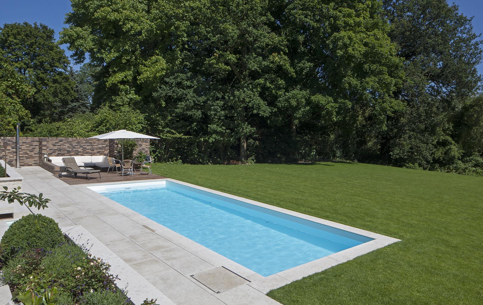 Schwimmbad in Düsseldorf von Swim & Sweat Schwimmbad- und Saunatechnik