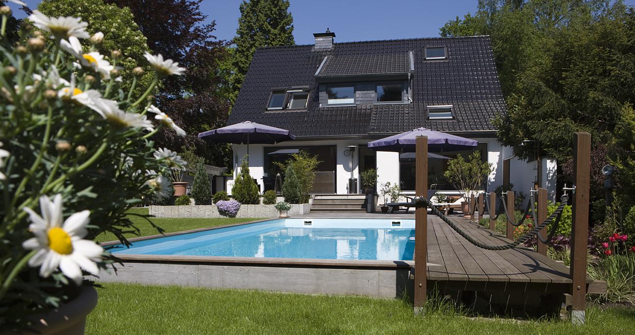 Außenbecken von Swim & Sweat Schwimmbad- und Saunatechnik in Essen