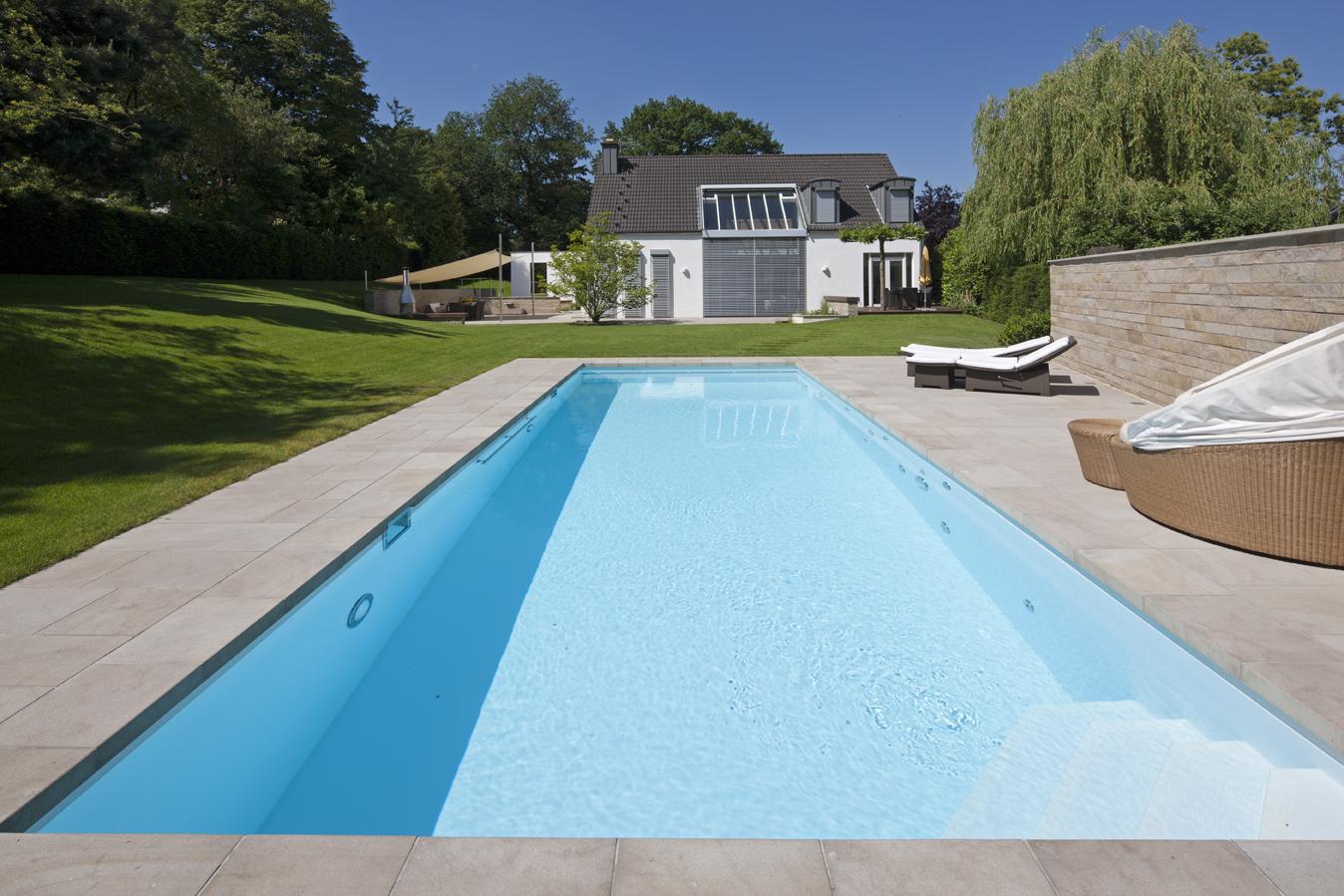 Pool im Garten eines Wohnhauses in Düsseldorf